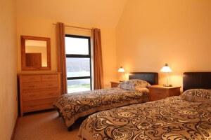 lodge twin bedroom